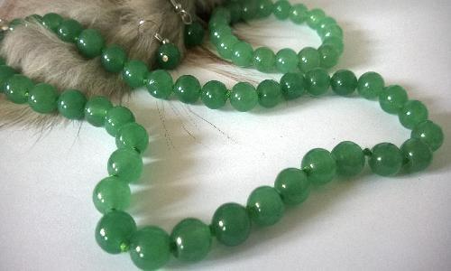 Огърлица, гривна и обеци от зелен нефрит